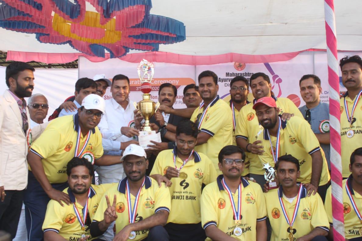 Photo of डॉक्टर्स क्रिकेट लीग स्पर्धा यशस्वीरित्या संपन्न .निमा संघाने आयएमए संघाचा पराभव करून विजेतेपद पटकाविले .
