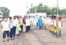 Photo of जिंतूरात आ. बोर्डीकरांनी राबवले धडक स्वच्छता अभियान ▪️२०० स्वयंसेवकांकडून शहरभर स्वच्छता▪️प्लास्टीक मुक्तीचा संदेश ▪️हातात झाडू घेवून आमदार रस्त्यावर ▪️
